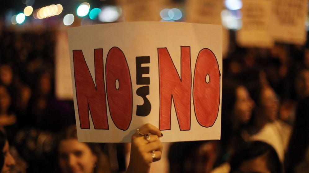 Foto: Manifestación feminista por los derechos de la mujer y contra el acoso sexual (EFE)