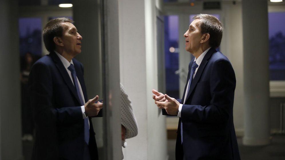 Foto: El fiscal jefe anticorrupción, Manuel Moix, en las instalaciones de la 'Cadena Ser'. (Foto: EFE)