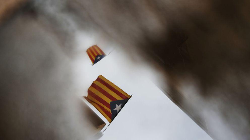 Colau facilita que el Ayuntamiento de Barcelona pida a Rajoy reconocer el 1-O