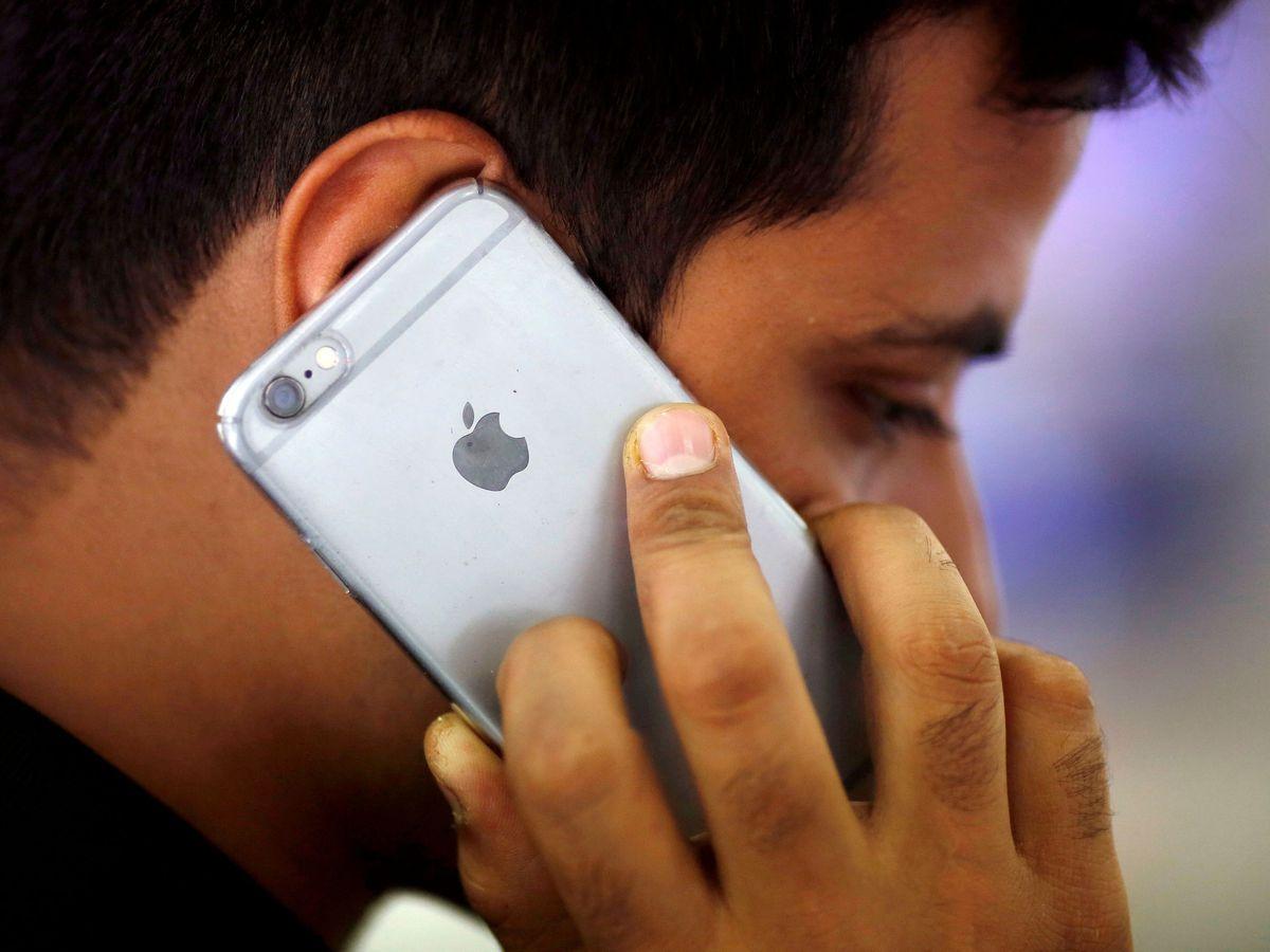 Foto: Todas las fotos que hagas con tu iPhone serán escaneadas automáticamente. (Reuters/Adnan Abidi)