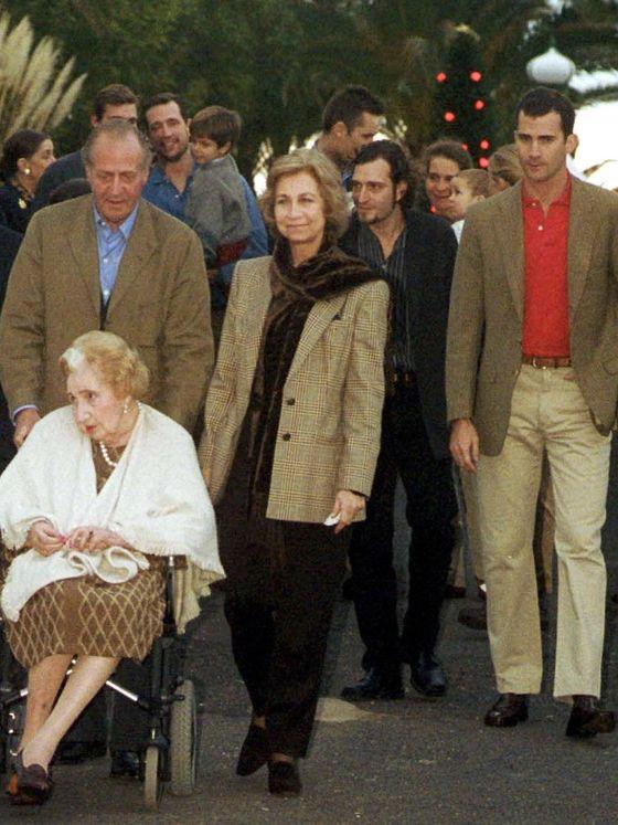 María de las Mercedes junto a su familia, pocos días antes de fallecer. (Cordon Press)