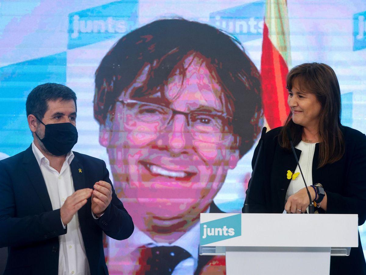 Foto: Laura Borràs acompañada por Jordi Sánchez en un acto de campaña. (EFE)