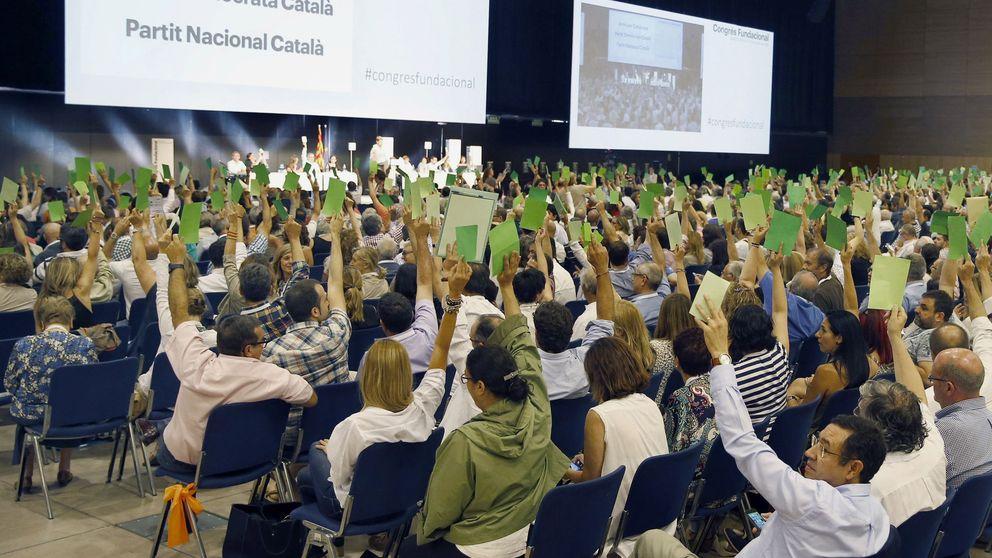 Rebelión en Cataluña: Artur Mas, 'vapuleado' por la militancia de su nuevo partido