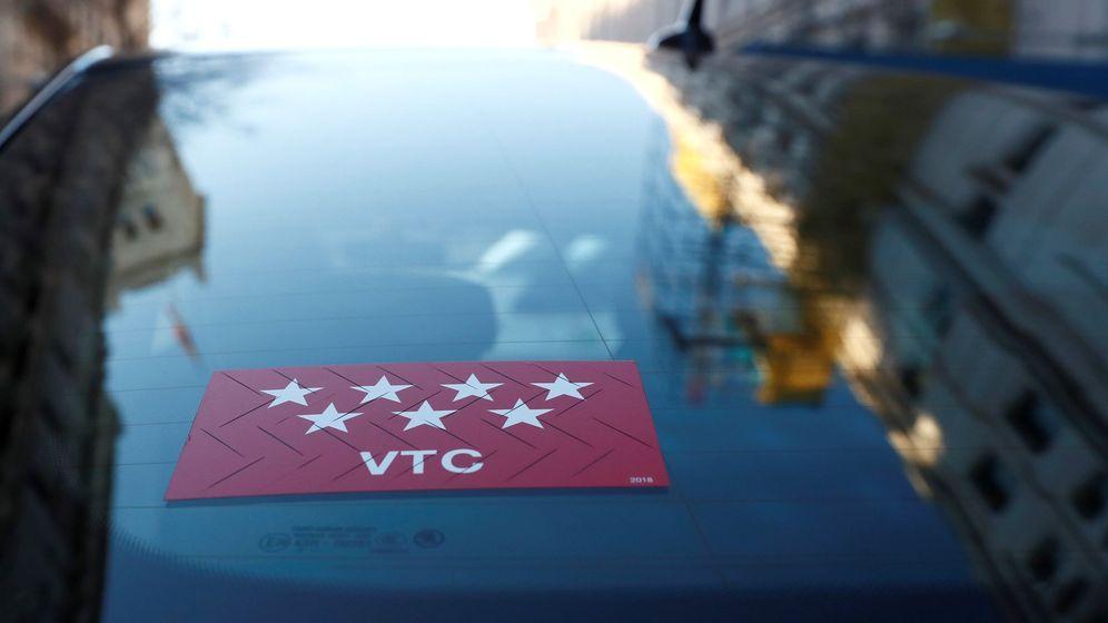 Foto: Los conductores de VTC se han concentrado hoy en Madrid para pedir respeto. (EFE)