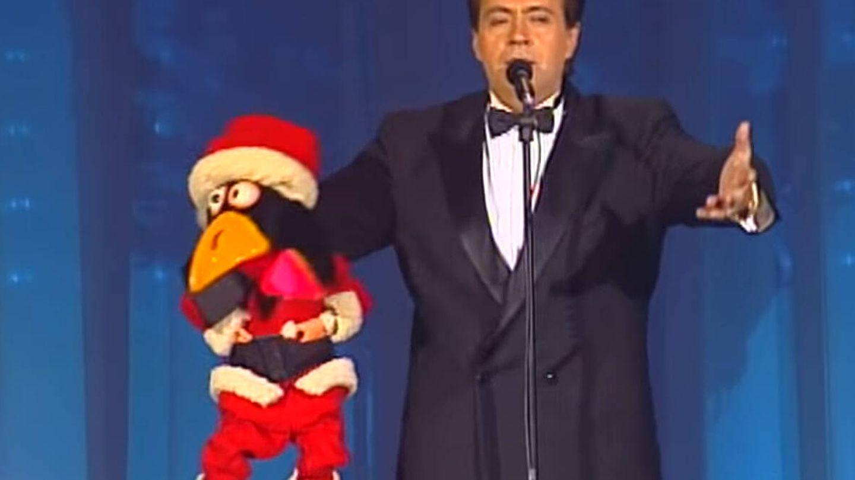José Luis Moreno con su muñeco Rockefeller. (TVE)