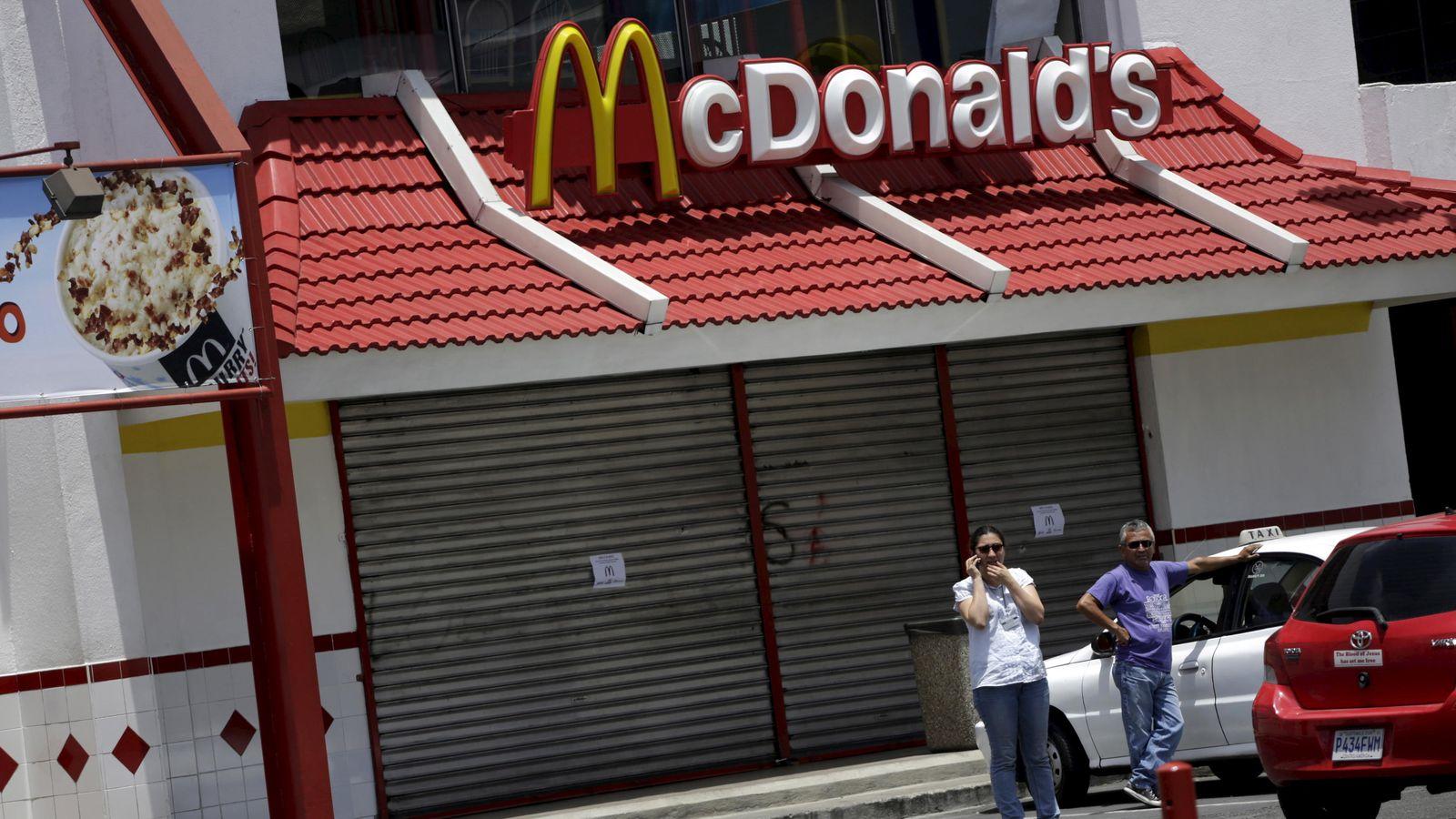 Foto: No son buenos tiempos para una de las grandes compañías de comida rápida del mundo. (Reuters/Jorge Dan López)