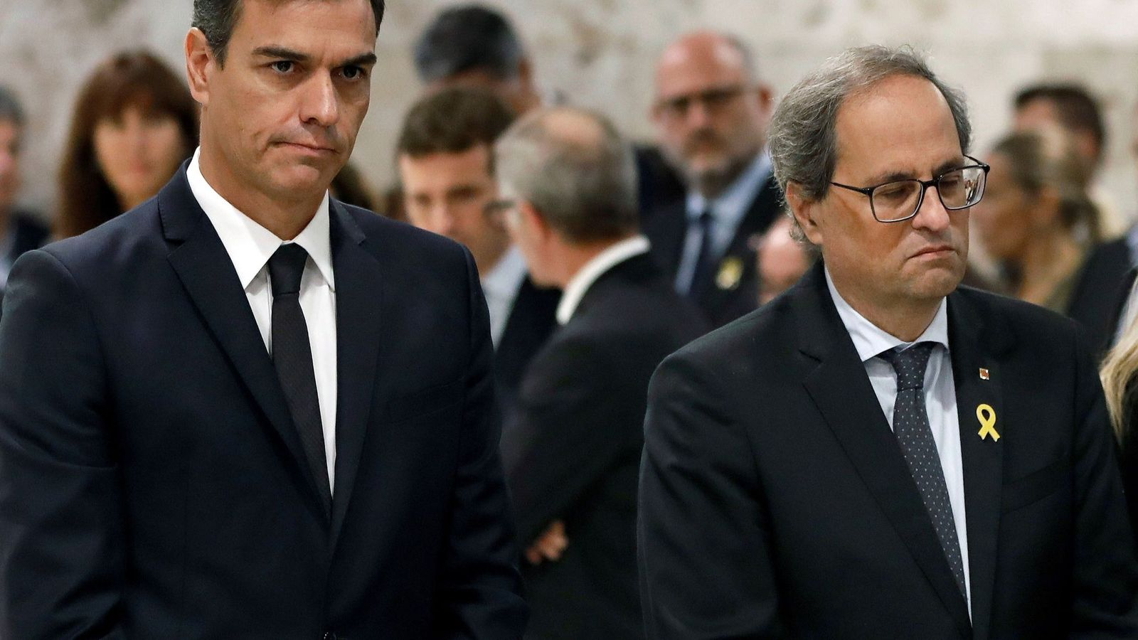 Foto: Pedro Sanchez y el 'president' de la Generalitat, Quim Torra, el pasado 8 de octubre en el funeral de Montserrat Caballé en Barcelona. (EFE)