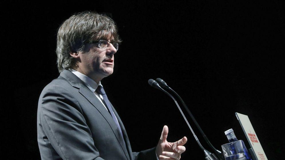Foto: El 'president' de la Generalitat de Cataluña, Carles Puigdemont, presenta la ley del referéndum. (EFE)