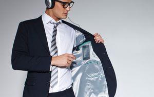 Trajes muy eficientes para 'geeks' elegantes