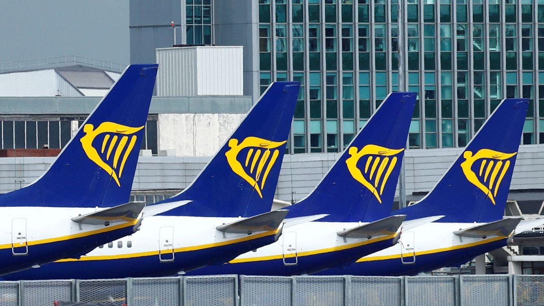 Ryanair anuncia más despidos tras reducir al 40% su plan de vuelos hasta marzo