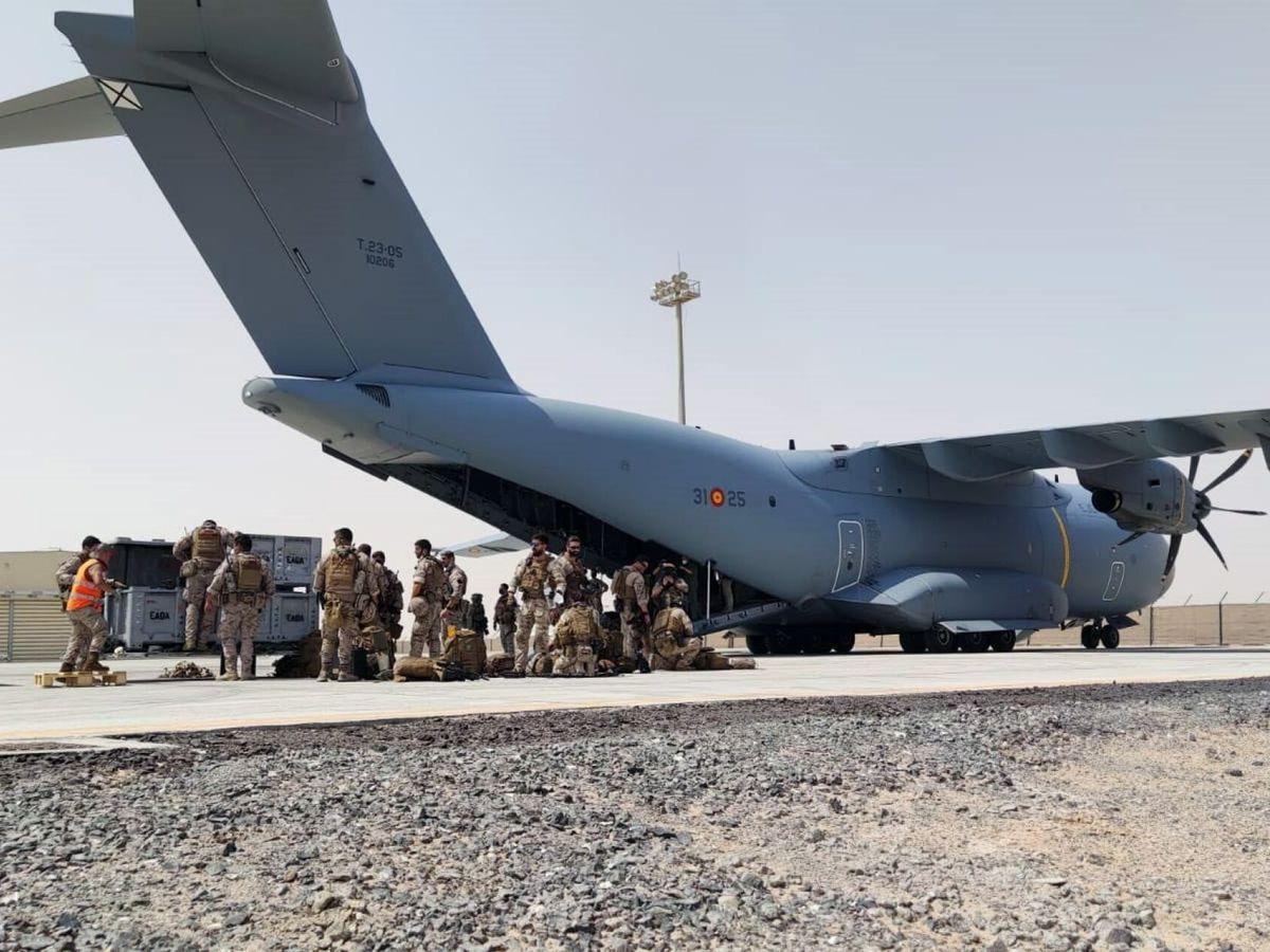 Foto: España concluye la misión de evacuación de personas de Afganistán. (EFE)