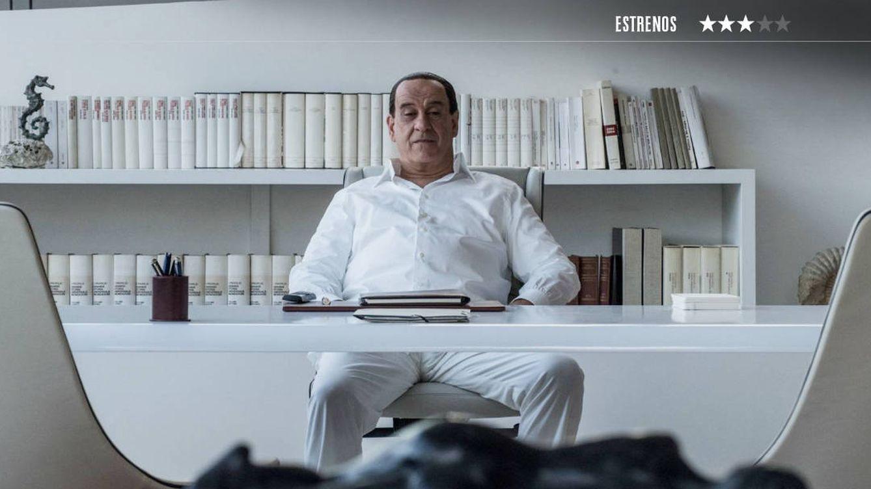 'Silvio (y los otros)': prostitutas, drogas y corrupción en el retrato vacío de Berlusconi
