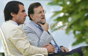Rajoy y Aznar se reconcilian en Faes tras todo un curso de choques