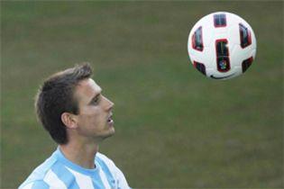 Foto: La envidia de Villa por Monreal... él sí fichó por el Arsenal