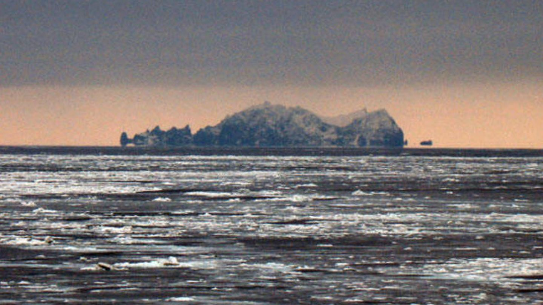 Las vistas de la Isla de San Mateo desde el mar de Bering. (Wikipedia)