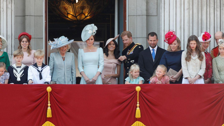 Meghan y Harry, junto a la familia real en el Trooping the Colour. (Reuters)