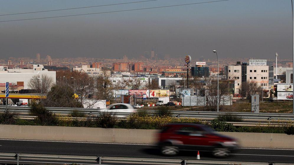 Foto: Una boina de contaminación cubre la ciudad de Madrid. (EFE)