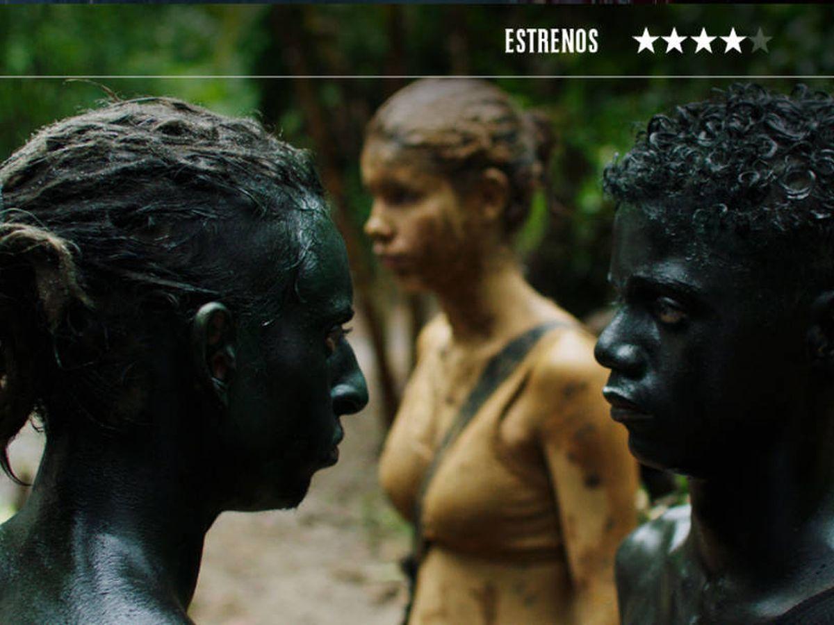 Foto: Moisés Arias, Laura Castrillón y Sneider Castro, en 'Monos'. (BTeam)