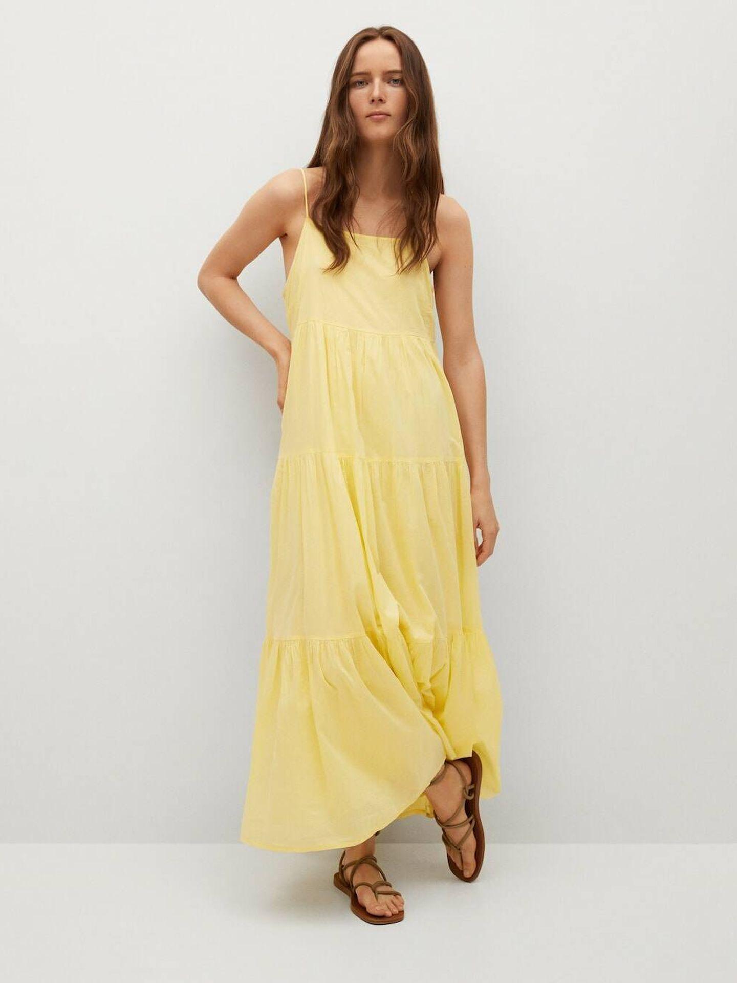 Vestido largo amarillo de Mango ideal para el verano. (Cortesía)
