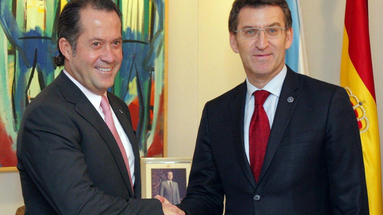 Juan Carlos Escotet se reúne con Alberto Núñez Feijóo. (EFE)