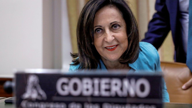 Robles pide consenso y se encuentra con los insultos de los independentistas al CNI