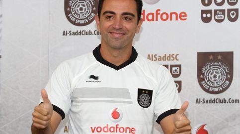 Xavi cambia el azulgrana por el blanco en su presentación con el Al Sadd