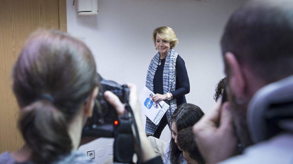 Foto: Esperanza Aguirre, en la rueda de prensa en la que ha anunciado su dimisión. (EFE)