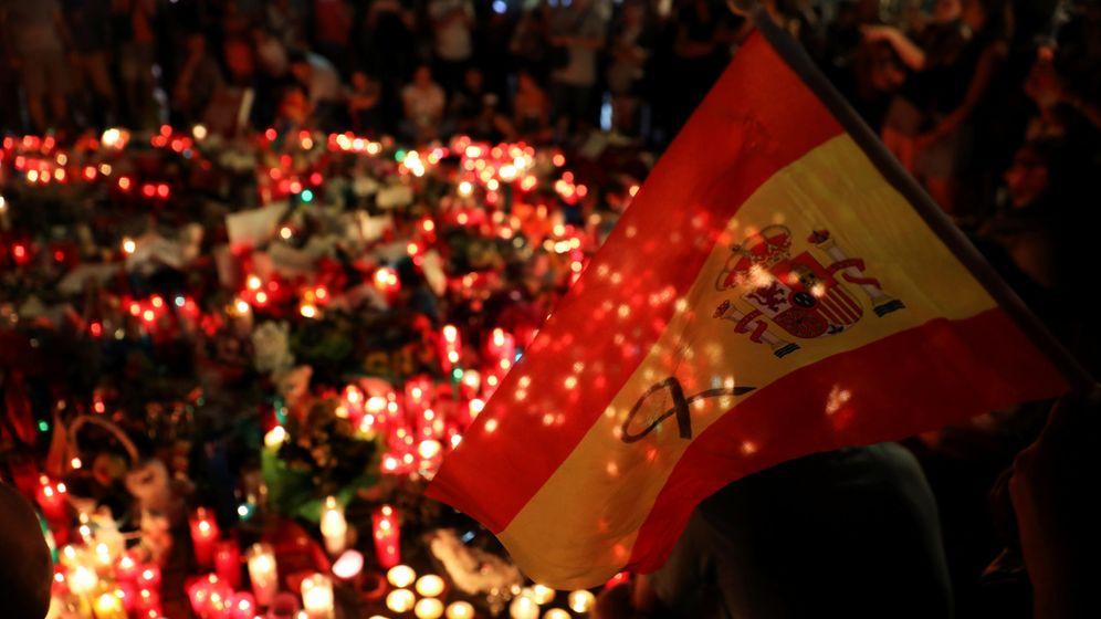Foto: Homenaje a las víctimas del atentado de Barcelona en las Ramblas. (Reuters)