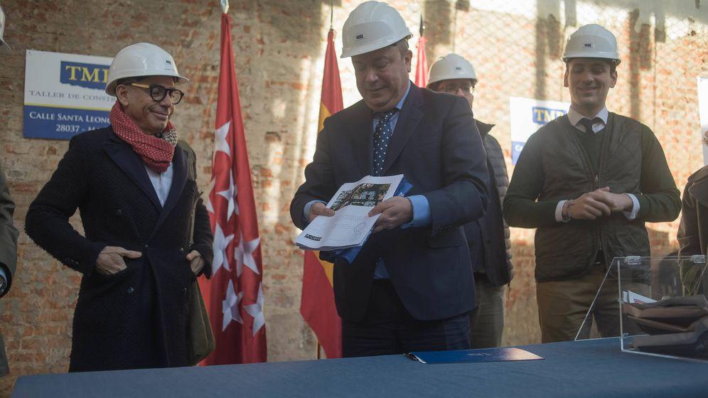 Foto: Juan Soler (en el centro), con el arquitecto Joaquín Torres.