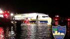 Las increíbles imágenes de un Boeing con 136 pasajeros flotando en un río en Florida
