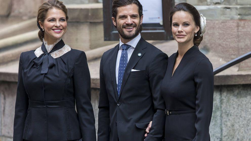 El sueldazo de los príncipes Carlos Felipe y Magdalena de Suecia, en peligro