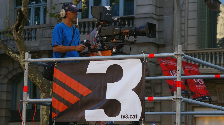 Foto: Un cámara de TV3 graba una manifestación. (Wikimedia)