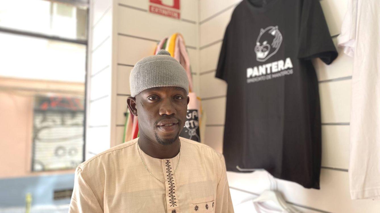 Foto: Mame Gore Gueye, miembro del Sindicato de Manteros y trabajador en Pantera. (S. M.)