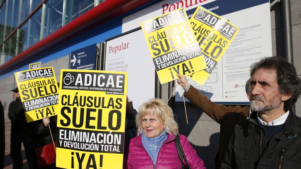 Foto: Manifestación de miembros de Adicae en 2017. (EFE)