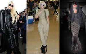 Lady Gaga cuando viaja, es que viaja de verdad