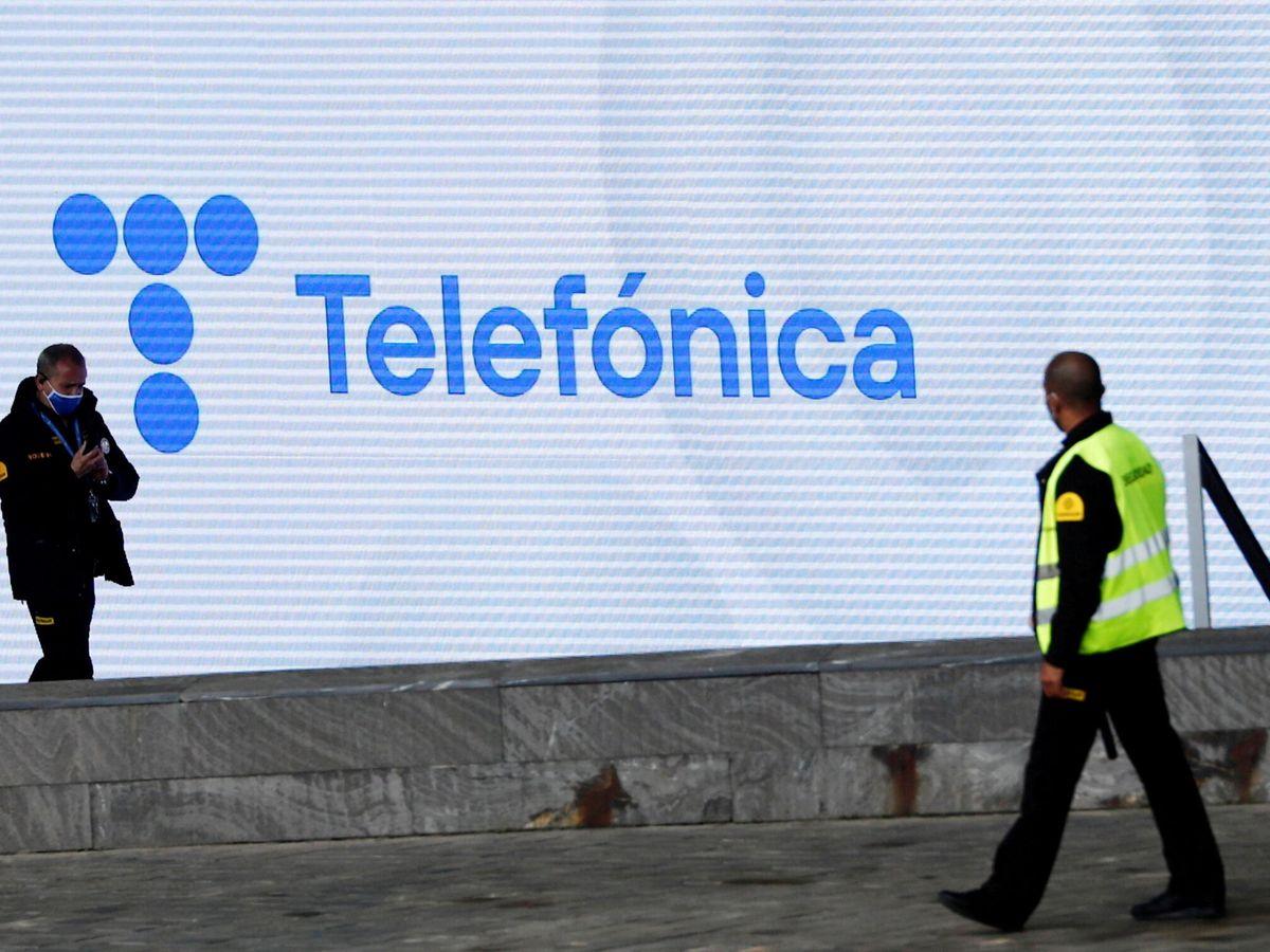Foto: El logo de Telefónica en la sede de Madrid. (Reuters)