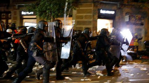 Los CDR aprietan ahora a la Generalitat con graves disturbios ante la sede de Interior