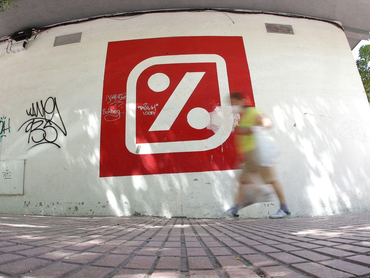 Foto: Exterior de un supermercado de Dia en Madrid. (EFE)