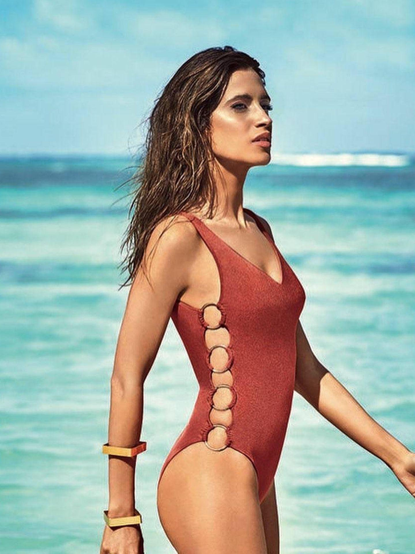Sara Carbonero defiende como nadie este atrevido bañador de Calzedonia.  (Instagram)