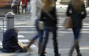 Tres millones de españoles sobreviven con menos de 307 euros al mes