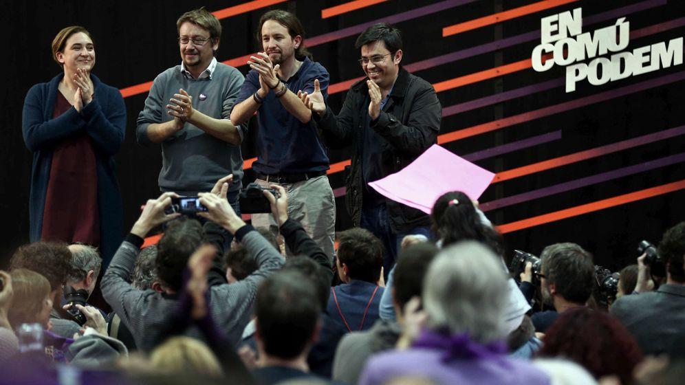 Foto: Pablo Iglesias junto a Ada Colau, Xavier Domènech y Gerardo Pisarello. (Efe)