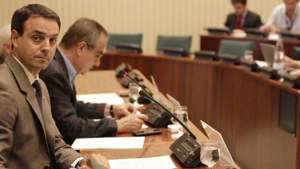 Dimite el director de los Mossos tras críticas por las pelotas de goma