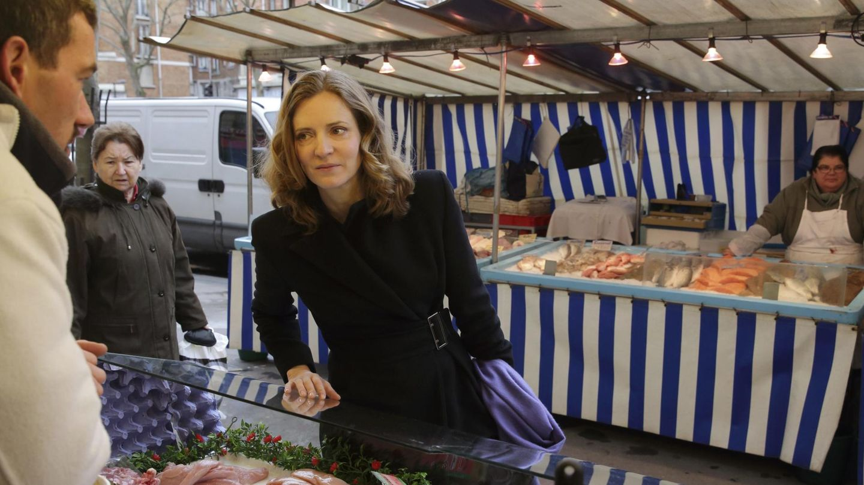 Nathalie Kosciusko-Morizet hace campaña en un mercado de París. (Reuters)