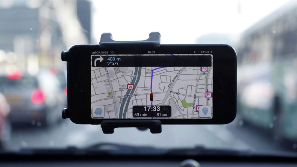 Por qué Google Maps y Apple son culpables de muchos de los atascos que sufres cada día