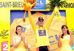 Valverde mantiene el maillot amarillo y el noruego Hushovd gana la etapa