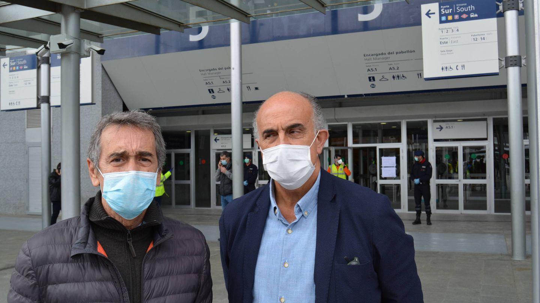 Javier Marco (i) y Antonio Zapatero (d), directores del hospital de campaña en IFEMA. (M. G. R.)