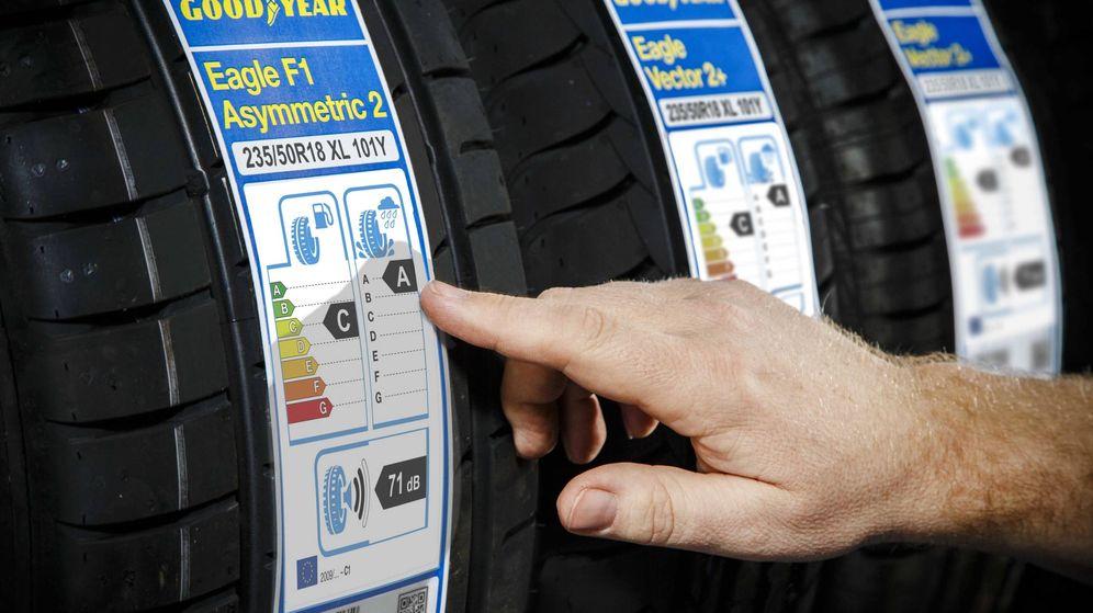 Foto: Todos los neumáticos nuevos deben llevar obligatoriamente la etiqueta oficial desde el año 2012.