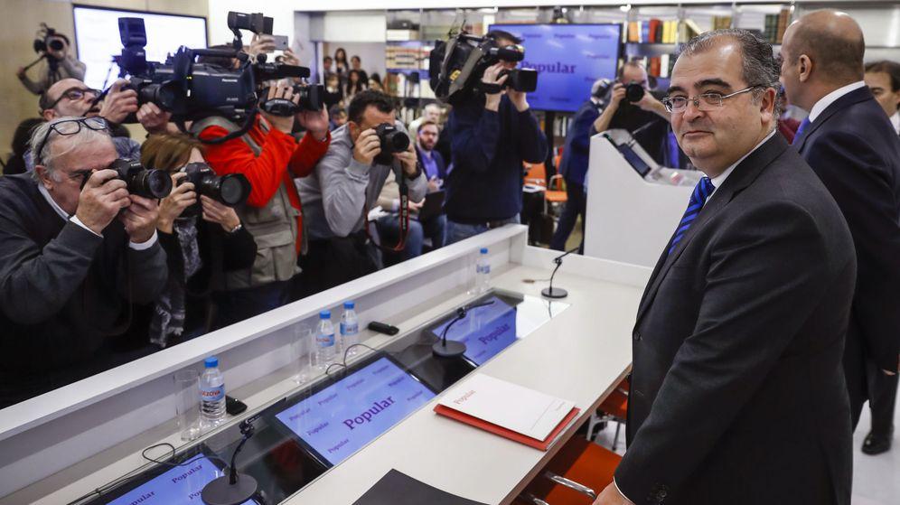Foto: Ángel Ron, en su última presentación de resultados como presidente del Banco Popular. (EFE)