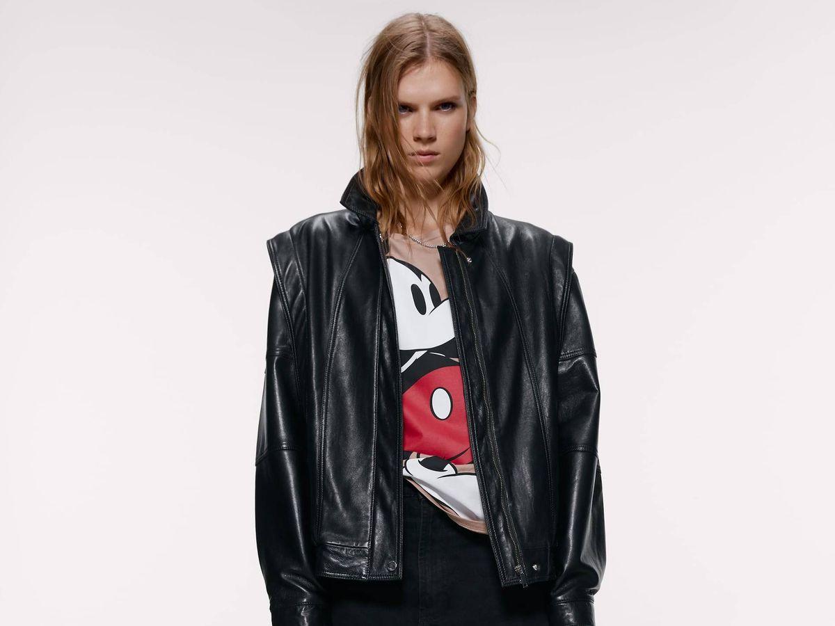 Foto: Atuendo que propone Zara con una de las camisetas. (Cortesía)