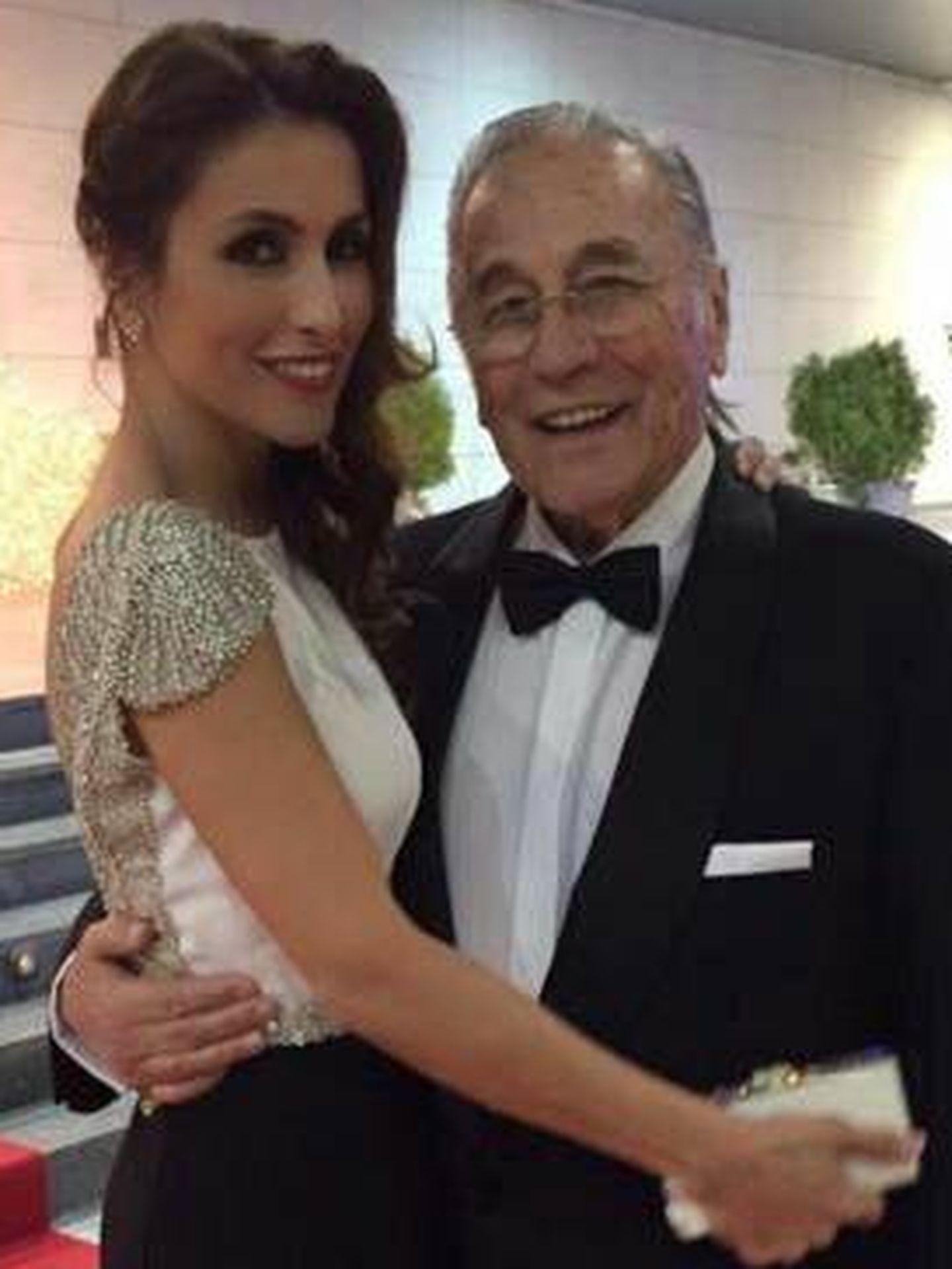 Paloma Cuevas y su padre. (Vanmitatis)